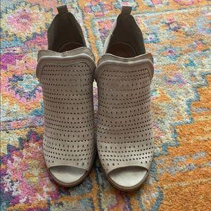 Qupid booties size 8